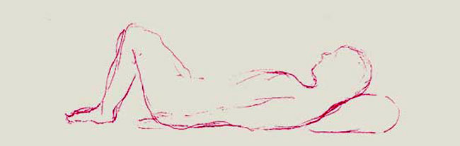 Durch angezogene Beine und geneigtem Kopf wird keine Zugspannung auf die Wirbelsäule ausgeübt